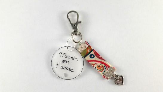 Porte clés mamie on t'aime