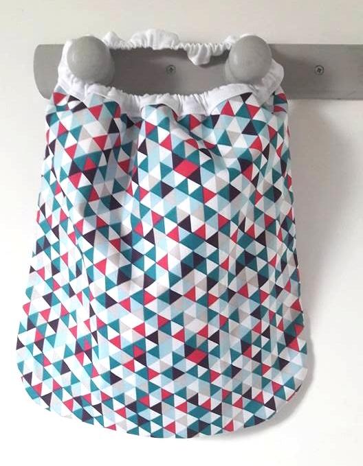 serviettes élastiquées triangles colorés