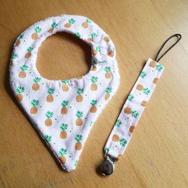bavoir bandana ananas et attache tétine